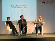 Brigitte Püls, Rolf Erdorf und Ted van Lieshout bei der Buchpräsentation von »Sehr kleine Liebe«